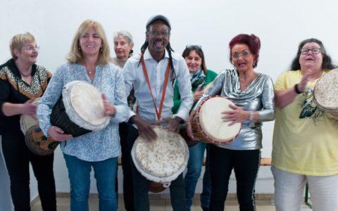 """Trommelworkshop mit """"Mama Afrika"""" am 3.11.19"""